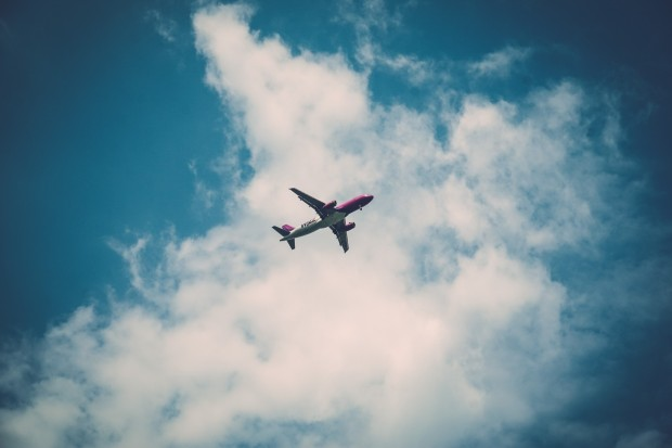 avion en route vers les vacances